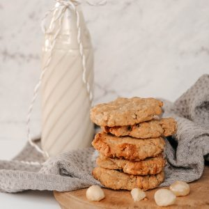 Wattleseed and macadamia biscuits